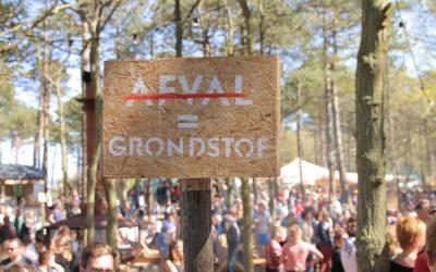 DE UITDAGINGEN VAN AFVAL GRONDSTOFVERWERKING OP FESTIVALS